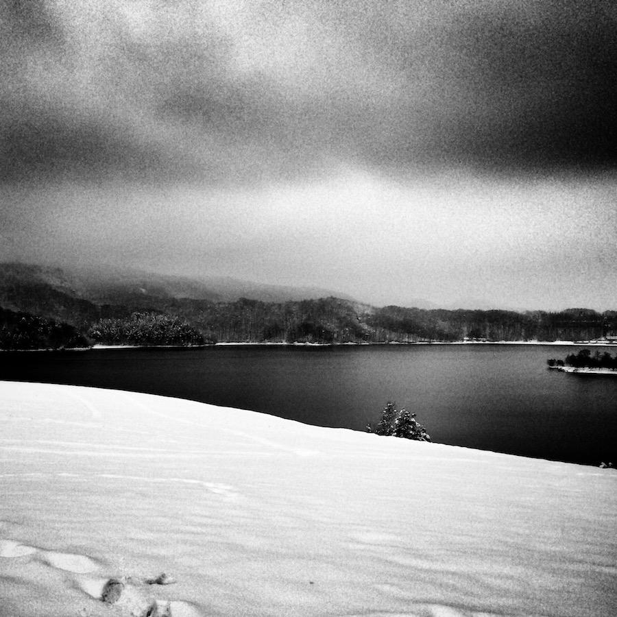 Zimowy widoczek na zalew Soliński