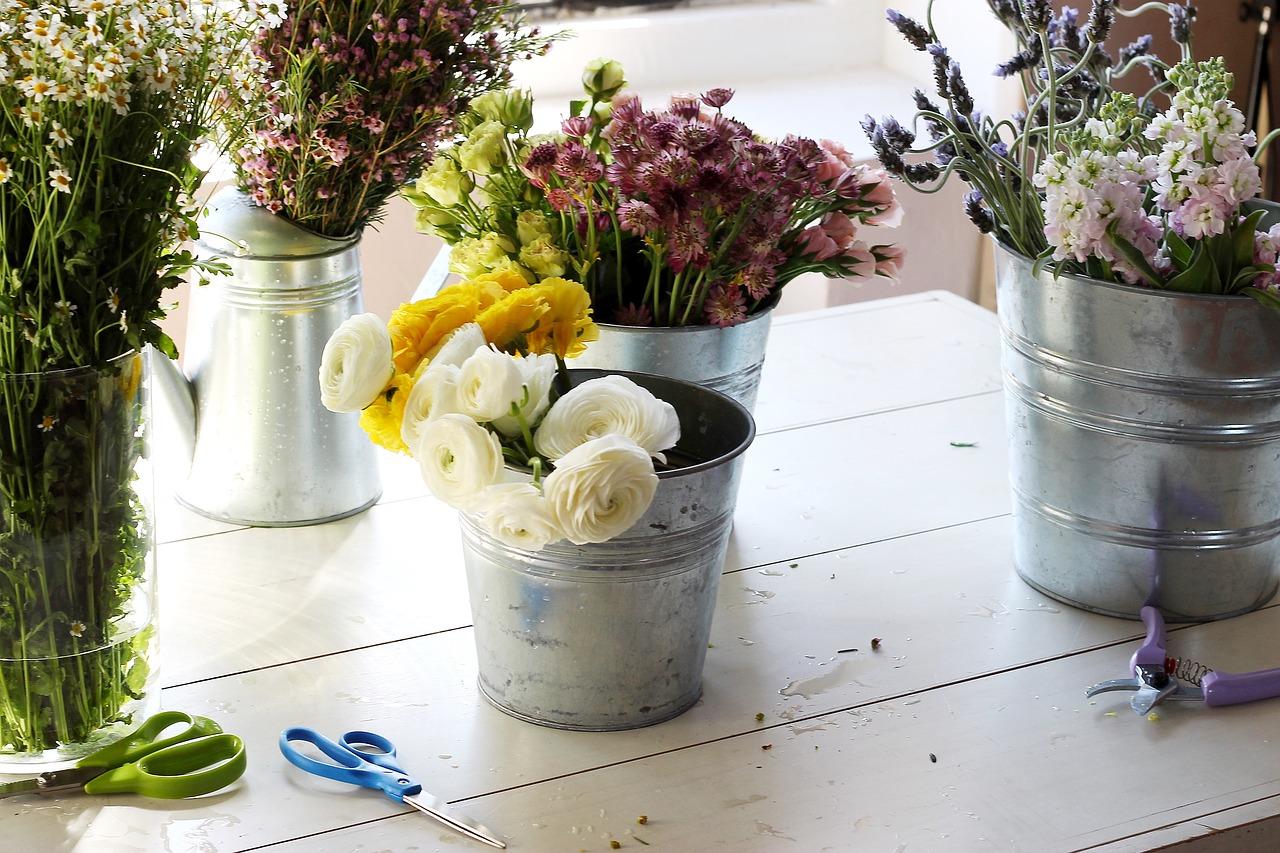 Układanie kwiatów. Nowe inspiracje krok po kroku