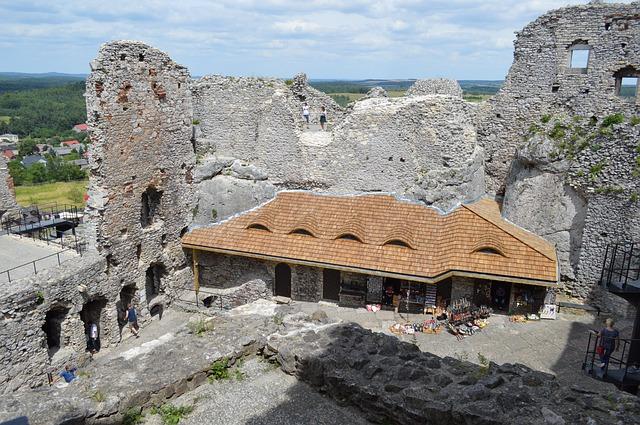 Ogrodzieniec zamek